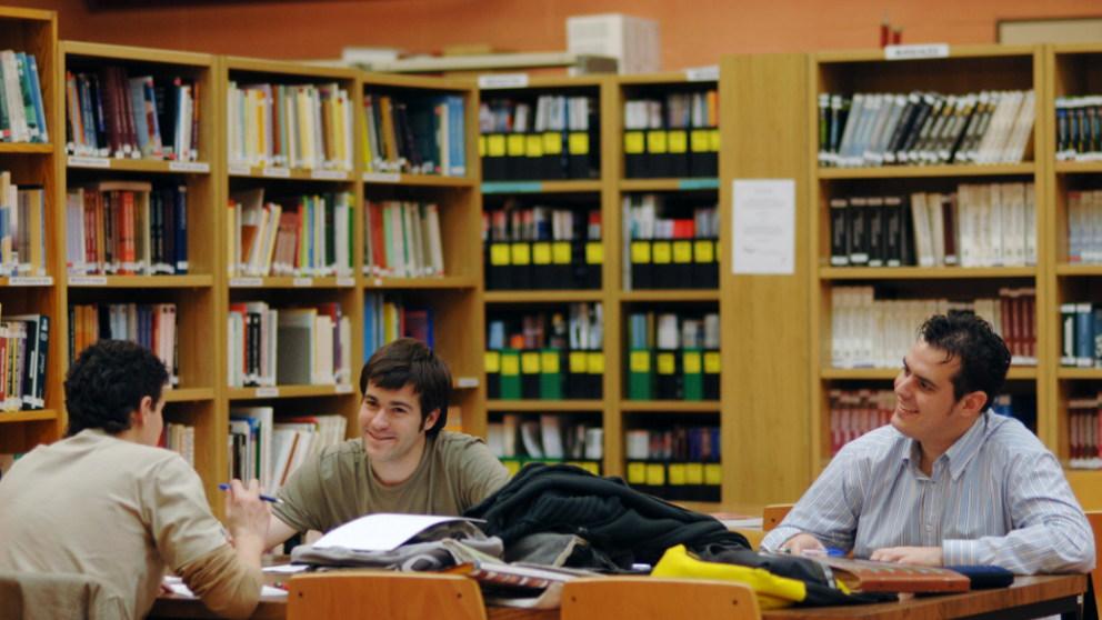 Nebrija - Biblioteca