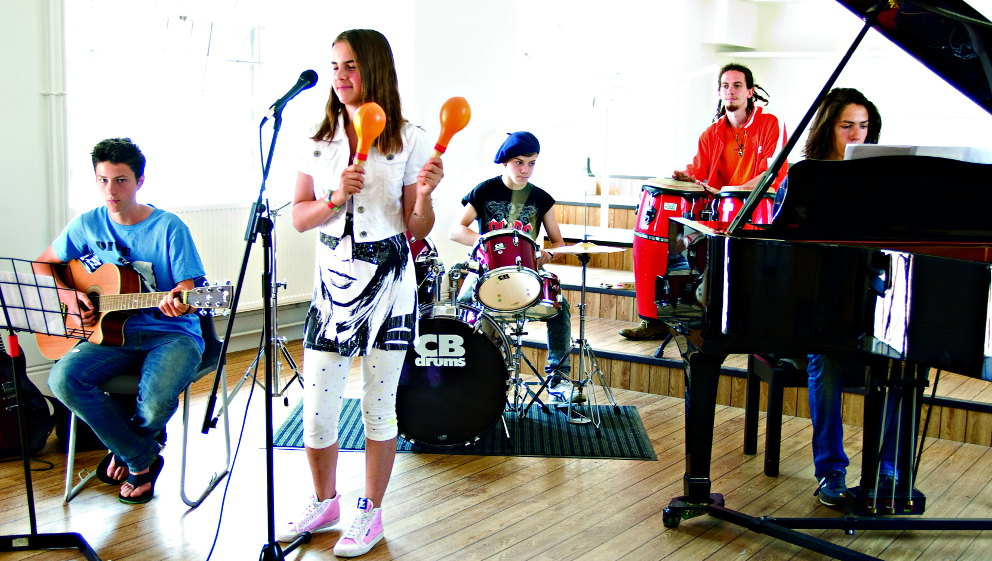 England - Exsportise English Plus Music